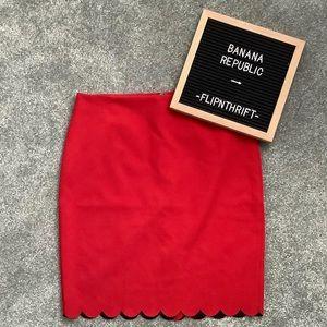 🎉HP🎉💛BANANA REPUBLIC Red Scallop Hem Skirt